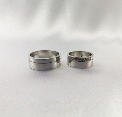 Венчальные кольца с камнями