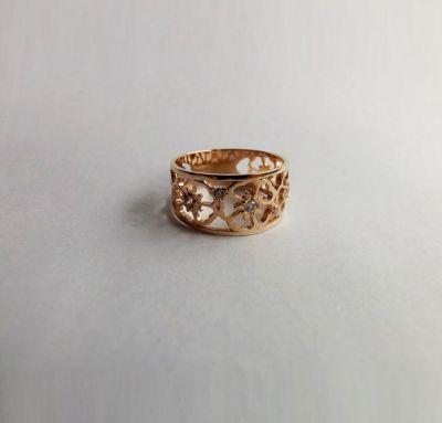 Кольцо цветки с камнями