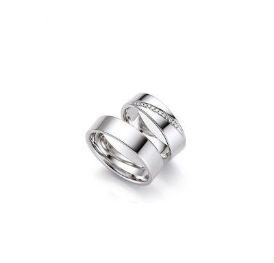Свадебные кольца с камушками