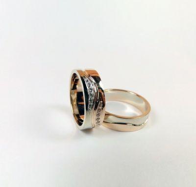 Обручальные кольца двойная волна