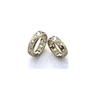 Обручальные кольца изюминка