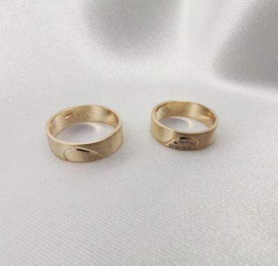 Свадебные кольца сердце