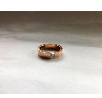 Обручальное кольцо под бриллиант