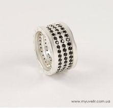 Кольцо Bvlgari с черными камнями