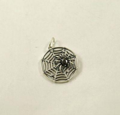 Кулон паук на паутине