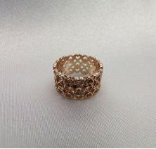 Кольцо широкое с сердечками