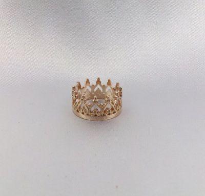 Золотая корона высокая