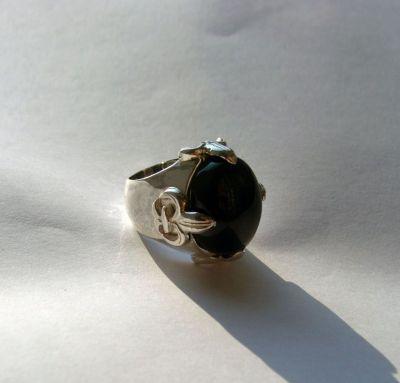 Кольцо с большим ониксом