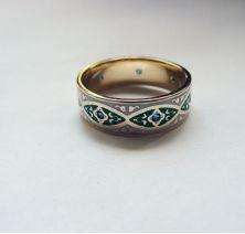 Женское кольцо с эмалью
