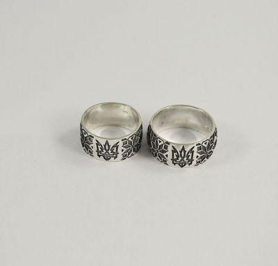 Свадебные кольца в виде вышиванки
