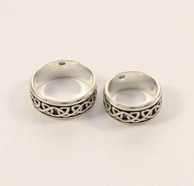 Обручальные кольца с узорами