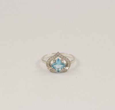 Женское кольцо сердце