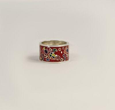 Модное кольцо с эмалью