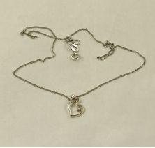 Серебряное колье с сердцем и бриллиантом
