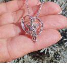 Колье с ангелом и бриллиантом