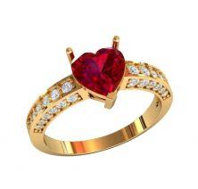 Кольца с камнем сердце