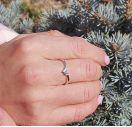 Тоненькое кольцо с бриллиантом из серебра
