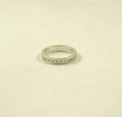 Кольцо вокруг камни